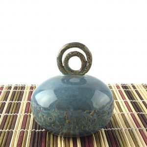 blue gold salt pepper shaker