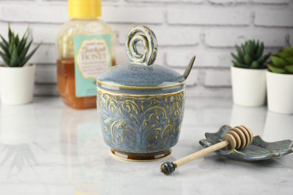 honey-pot-with-dipper