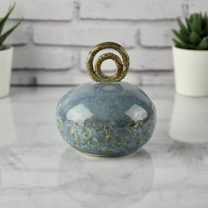pepper-shakerCeramic Salt-Pepper-Shaker-in-Blue